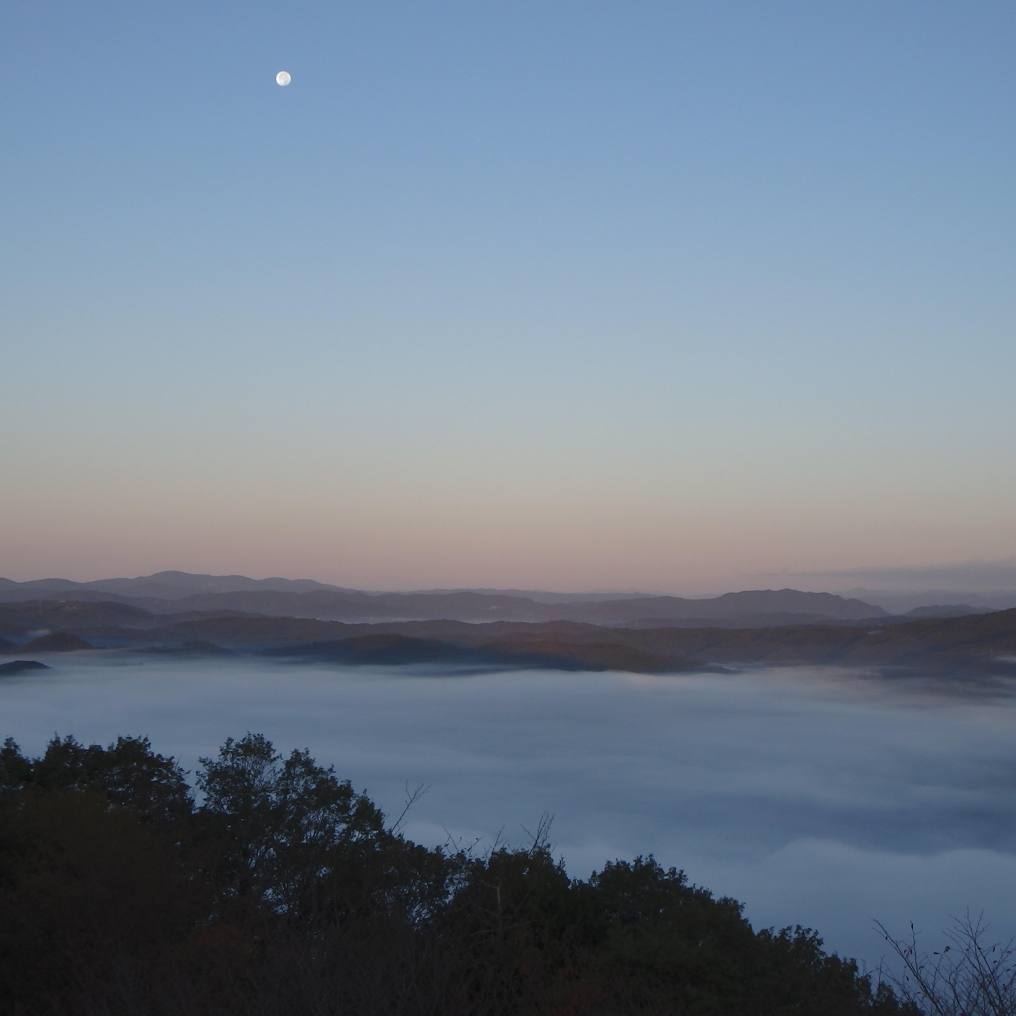 月と雲海2